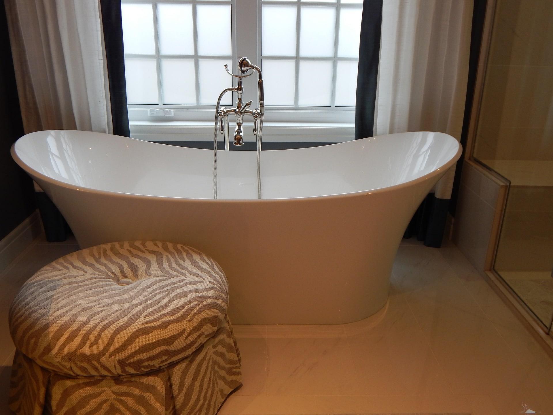 Exlcusivbad mit freistehender Badewanne
